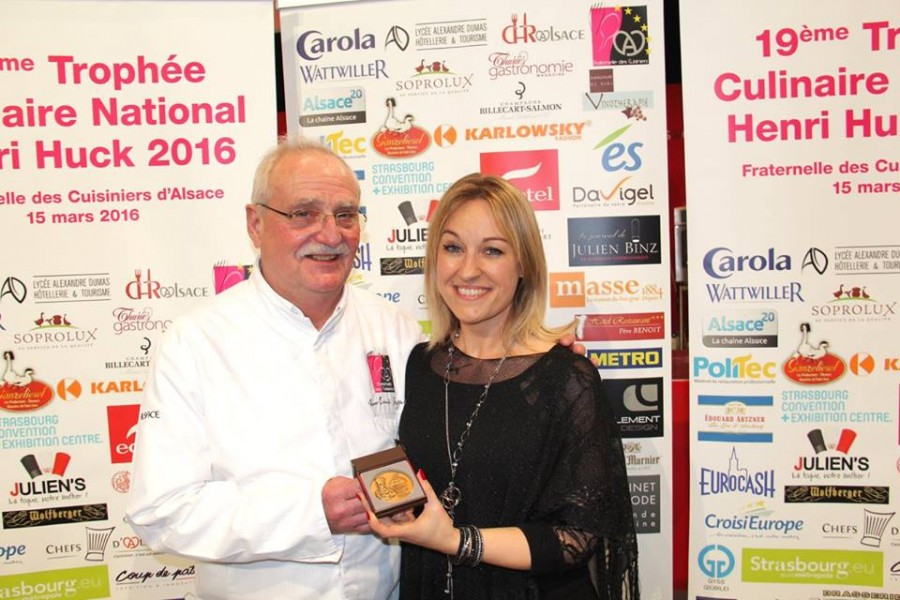 Sandrine Kauffer devient membre d'honneur de la Fraternelle des Cuisiniers d'Alsace