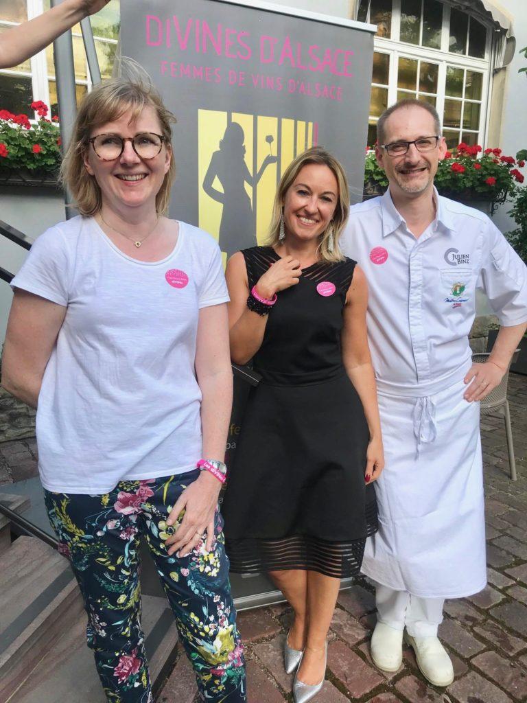 Véronique Muré, la présidente des Divines d'Alsace avec Sandrine et Julien Binz